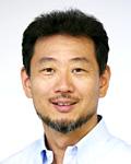 岩田 松雄 氏